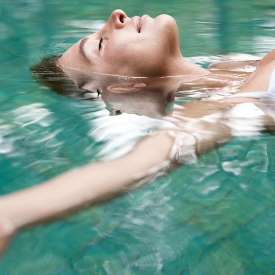 Floating schwerelose Tiefenentspannung