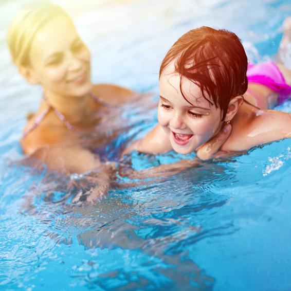 Kindersicheres Schwimmen im Pool