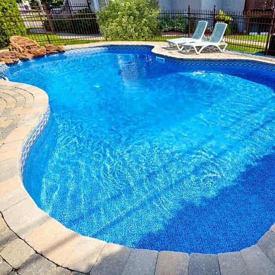 Pool_konstanter_Wasserstand_Blog